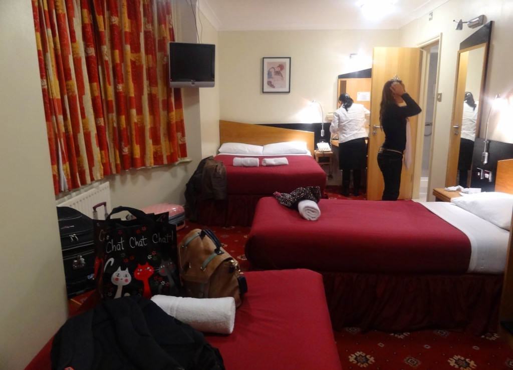 Comfort Inn Buckingham Palace Road – LONDRES Miss Check in ~ Quarto Simples Mas Arrumado