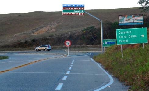 À direita, acesso à Ponte Gilberto Amado - Povoado Terra Caída.SERGIPE
