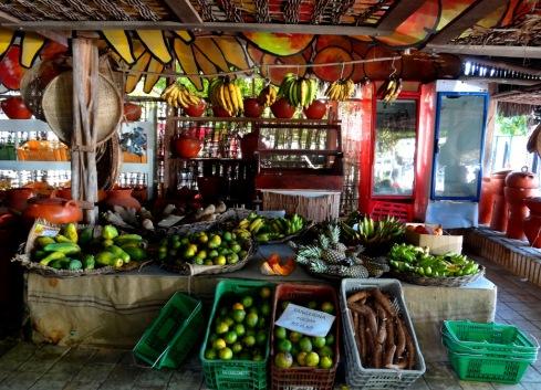 Frutaria - Posto de Massarandupió - Linha Verde.BAHIA