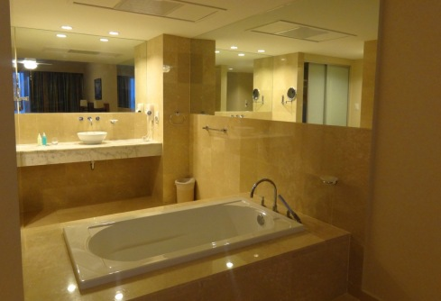 Banheira - Quarto Duplo - The Mill Resort - ARUBA