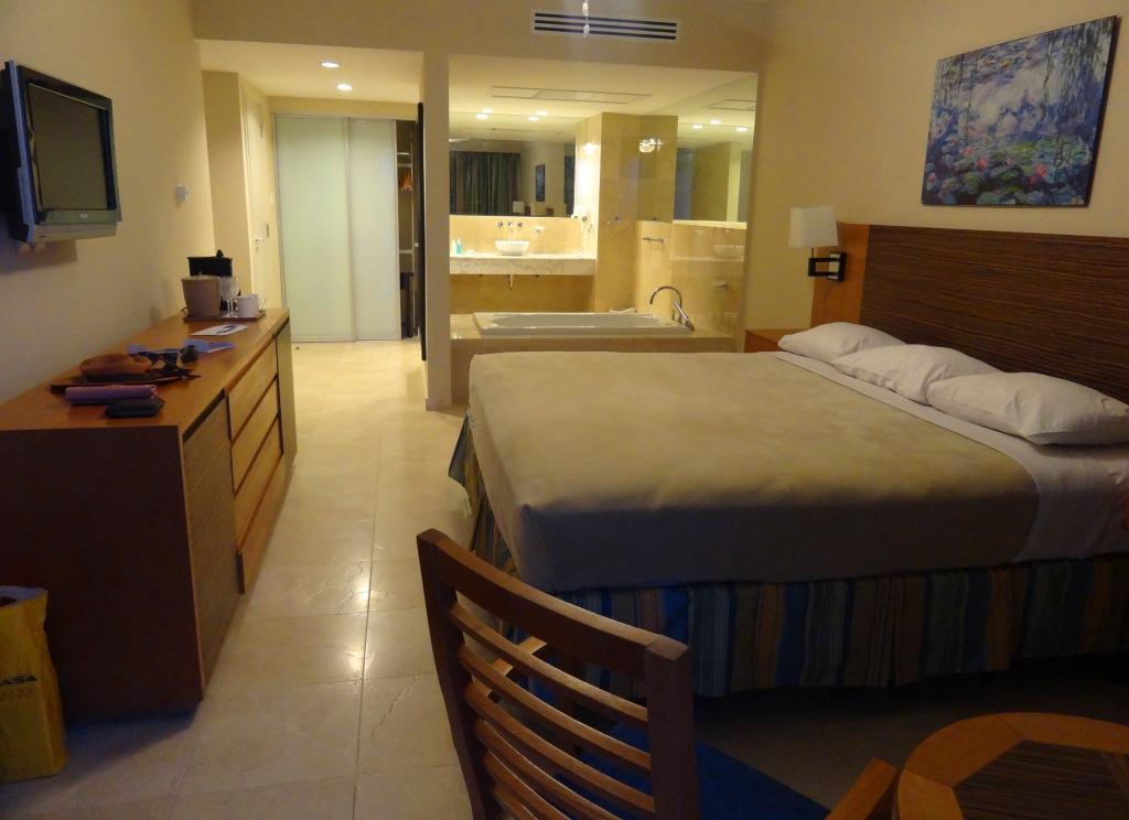 The Mill Resort & Suites – ARUBA Miss Check in ~ Um Quarto Bem Arrumado