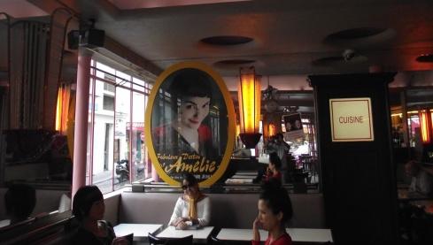 Café des deux moulins - Montmartre - PARIS