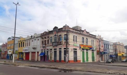 Esquina da Santa Rosa com Av. Rio Branco