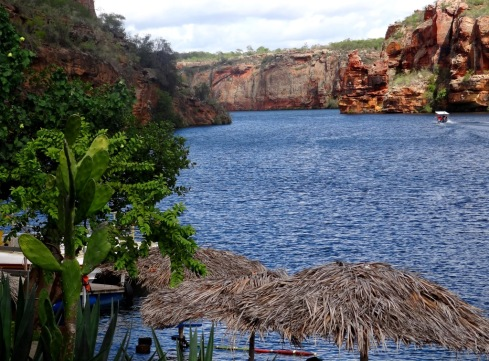 restaurante-show-da-natureza-no-canion-do-sao-francisco-alagoas