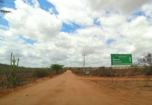 estrada-de-terra-para-o-castanho-delmiro-gouveia-alagoas-foto-do-blog-misscheck-in